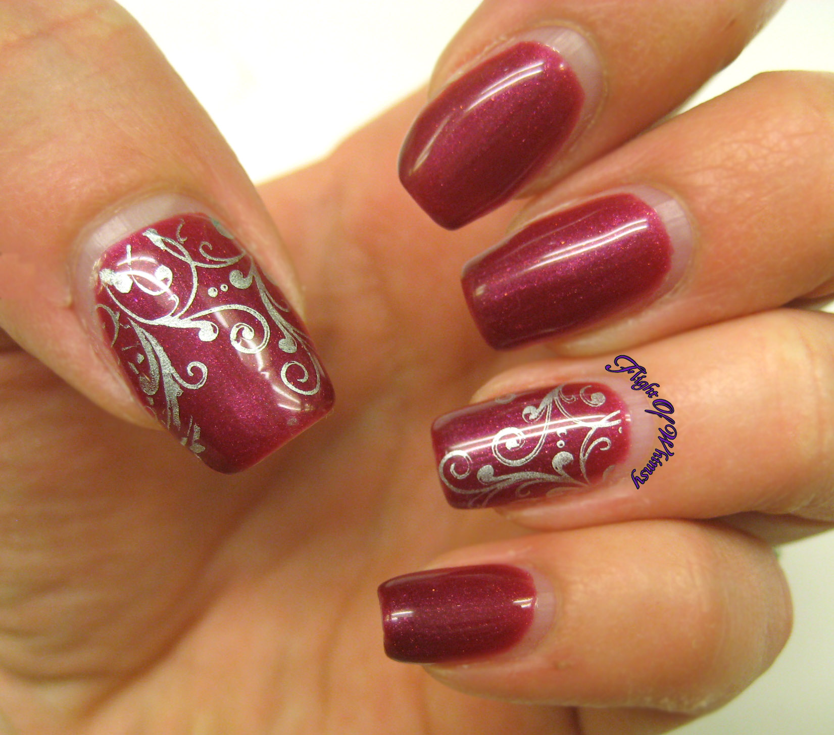 How to paint nails with gel